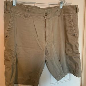 Men's Cabelas Khaki shorts